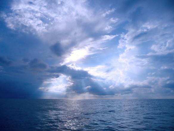 Derawan sky by Lolo sianipar