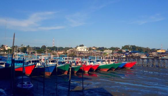 Fishing Village at Tarakan by Lolo Sianipar